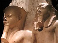 Statue av farao
